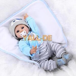 55cm Naturgetreue Reborn-Baby-Puppe Silikon-Vinyl Neugeborene Puppen mit Tuch