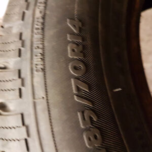 4 winter studded tires p185/70/14