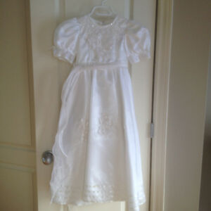 Beautiful Communion or Flower girl dress - Like New size 7-10