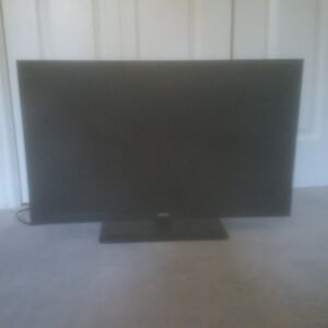 "32"" RCA Television with Built in DVD"
