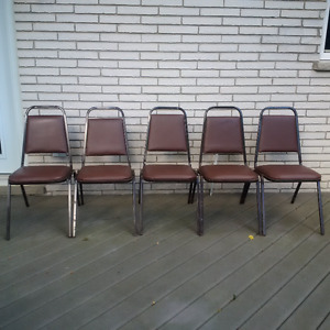 Five Stackable Retro Vintage Brown Chairs