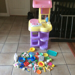 Little Tikes Interactive Kitchen with Tons of Accessories