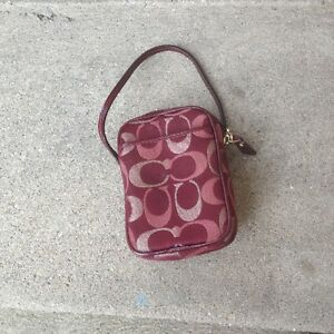 COACH POUCH/PURSES/CAMERA CASE/CELL PHONE CASE London Ontario image 1