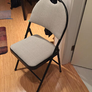 Folding chair, padded, grey color