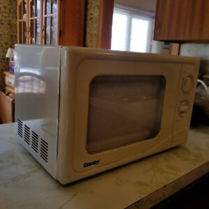 Microwave! Clean, tested, works perfectly!  :)