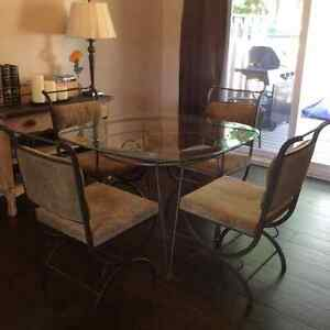 Wrought iron table and chairs Kitchener / Waterloo Kitchener Area image 3