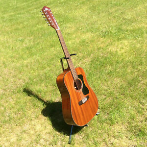GUILD D-125 12 String Acoustic Guitar