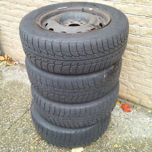 REDUCED Michelin X-Ice Snow Tires on Rims (4)