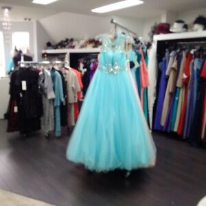 Big Sale!!! Bridal store and Weddng Gown Inventory buyout Cambridge Kitchener Area image 4
