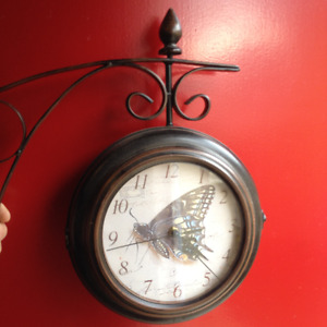 Indoor/Outdoor Wall Mounted Quartz Wall Clock