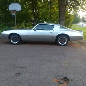 1978 Pontiac Firebird basic Coupe (2 door)