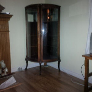 Round corner china cabinet Kitchener / Waterloo Kitchener Area image 2