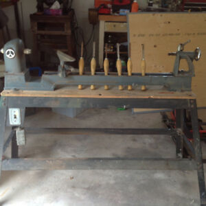 For Sale Rockwell Beaver Wood Lathe, 6 wood Marples  Chisels