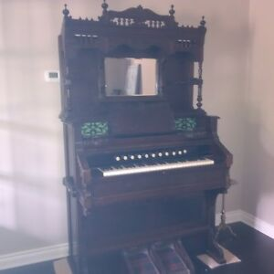 Classic Crane & Sons Organ: REDUCED TO $750