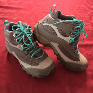 Brand-New! Women's Hi-Tec Hiking Boots