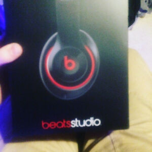 Beats by Dre studios 2.0