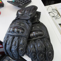 Liquidation Buy On Leather Motorcycle Gauntlet Gloves ONLY $30 Oshawa / Durham Region Toronto (GTA) Preview