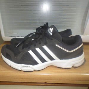 LADIES RUNNING SHOES SIZE 7.5