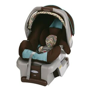 Graco SnugRide 30 Classic Connect Avery, Brown/Blue Cambridge Kitchener Area image 1