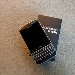 Blackberry Classic For Sale!  Mint Condition!