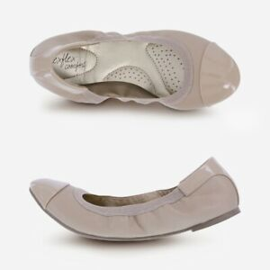 Women's Claire Scrunch Flat New Size 8 Wide