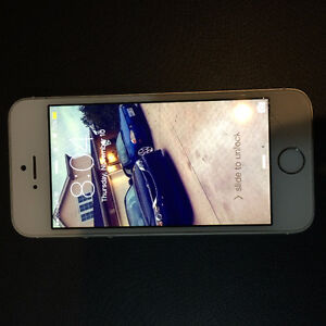 iPhone 5s locked to bell Kitchener / Waterloo Kitchener Area image 1