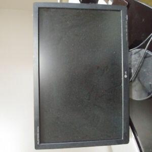 22 inch LG monitor - Moving Sale