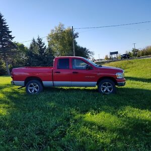 2007 Dodge SLT Pickup Truck