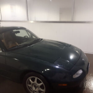 Looking to buy NA miata body parts