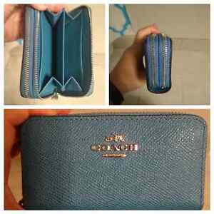 Selling mini coach wallet/card holder
