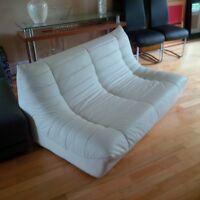 Superbe futon 2 places blanc ultra moderne