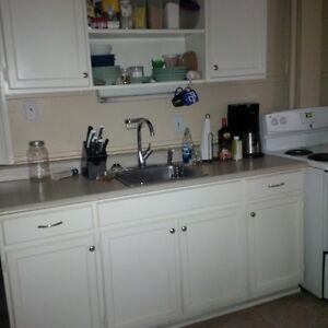 Twobedroom Southend Victorian Avail May 1st Heat included