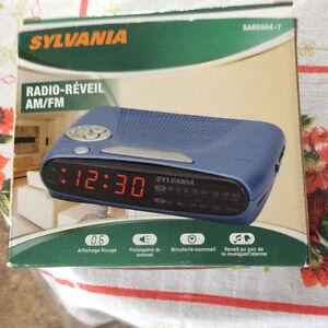 AM/FM Digital Clock Radio