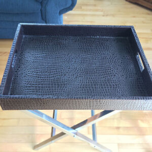 FAUX LEATHER SERVING TRAY c/w FOLDING METAL STAND