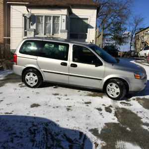 2008 Chevrolet Uplander drives like new  140 km whiter tires on