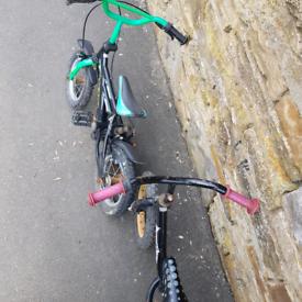 2 kids little bikes