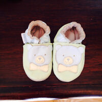 Baby boy Robeez size 0-3 months shoes leather