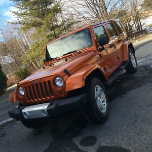 JEEP WRANGLER SAHARA UNLIMITED TRAIL RATED EQUIPE *4 DOOR/PORTES