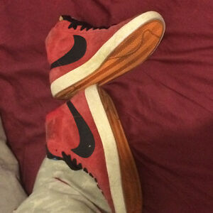 Used nike blazers red