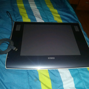 Intuos3 Graphics Tablet