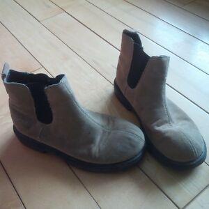Kids shoes and boots size 1-3 Kitchener / Waterloo Kitchener Area image 2