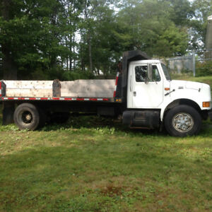 For Sale 1997 International Dump Truck 4T00