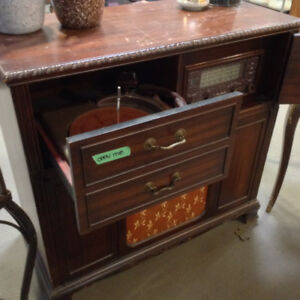 Antique Rogers Majestic Radio Phonograph