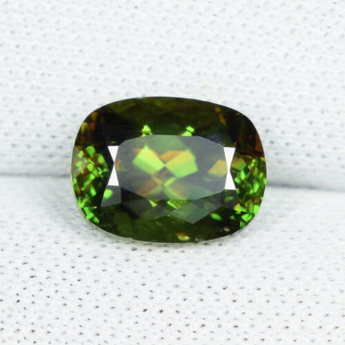1.94 ct ULTRA RARE  MULTI COLOR FLASHES GENUINE  NATURAL SPHENE  Cushion See Vdo