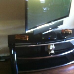 tv stand with 3 smoked glass shevels & bracket for a tv