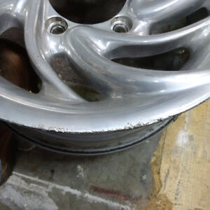 """Aluminum 15x7""""- 5 on 5""""Ford - most Suzuki, Sunrunner, Tracker North Shore Greater Vancouver Area image 3"""
