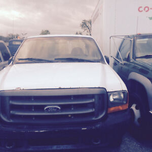 2000 Ford F-350 Parts truck 5.4