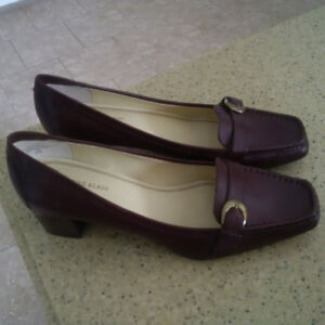 BRAND NEW Anne Klein Shoes Size 9