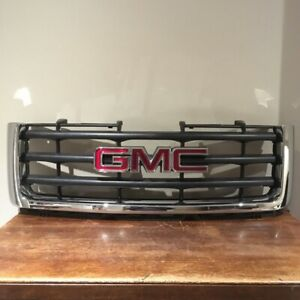 GMC SIERRA 1500 GRILL(2007-2012) w/ emblem - BLACK & CHROME