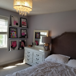 FURNISHED ROOM FOR RENT STUDENT OR PROFESSIONAL FEMALE